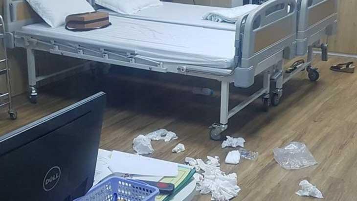 Nhiều khăn giấy được tìm thấy trong phòng y tế của trường